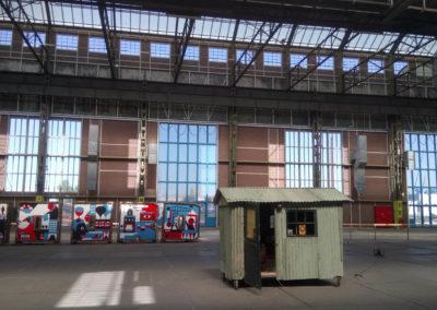 Radio Droogdok hut in NDSM loods